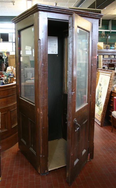 Arredi da negozio cabina telefonica inglese for Cabina telefonica inglese arredamento
