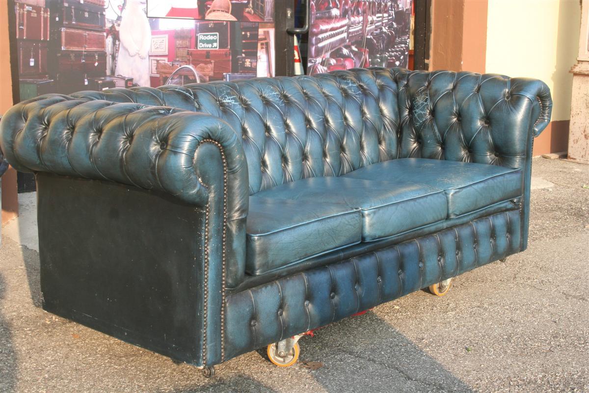 Divani e poltrone divano chesterfield blu for Divano in inglese