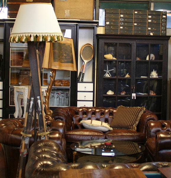 Arredamento negozi stile vintage design casa creativa e for Mobili design vintage