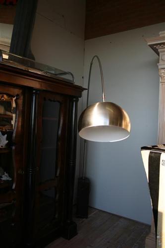 Arredi design : Lampada ad arco