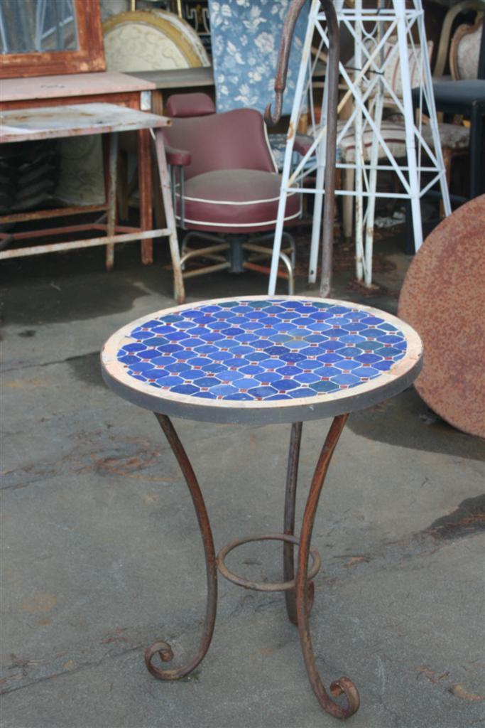 Tavolo Da Giardino Con Mosaico.Tavoli Da Giardino Tavolino Tondo In Mosaico Con Porta Lume