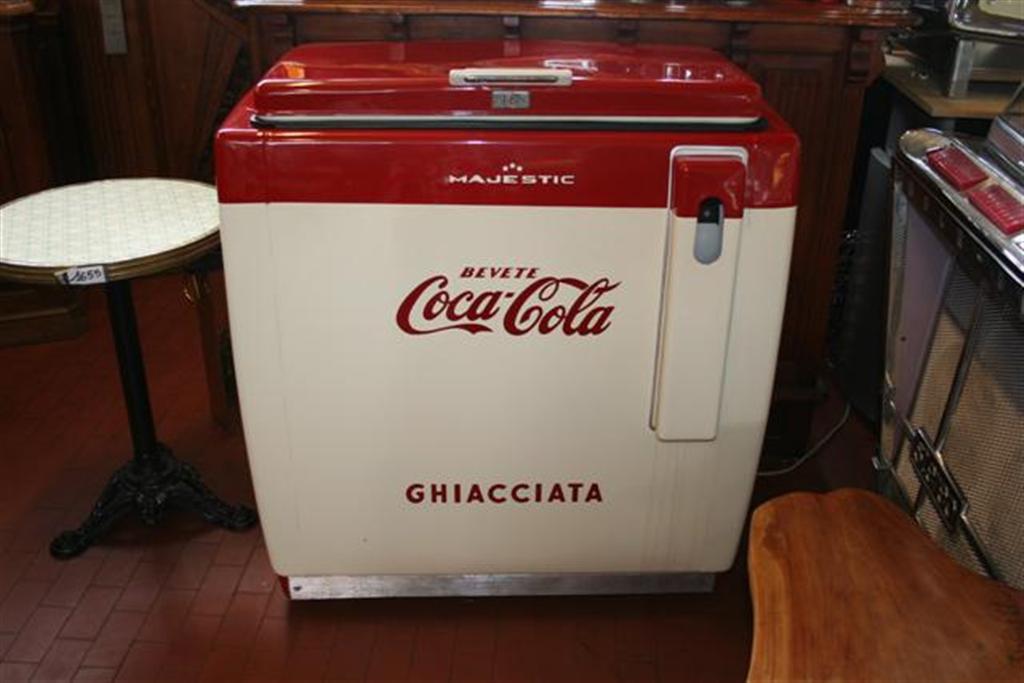 Autentico set da bar coca cola include due sgabelli e un
