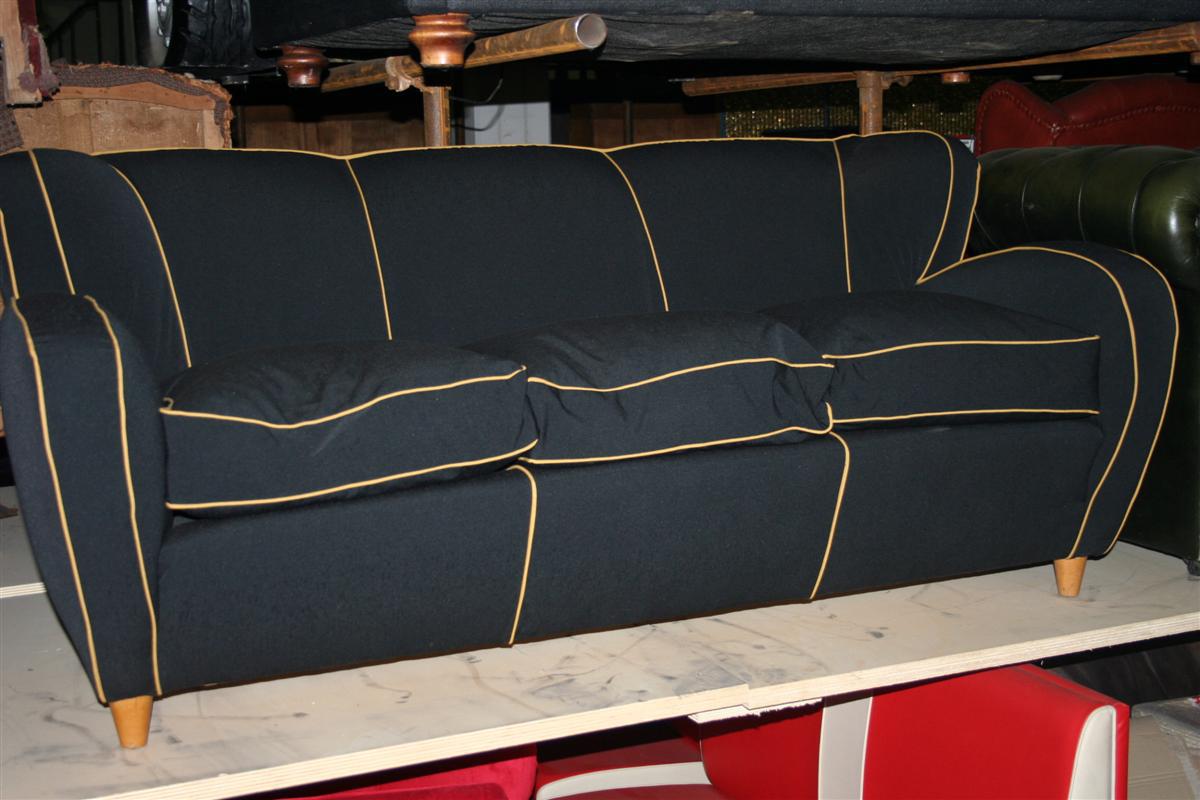 Divani e poltrone divano club tre posti in tessuto for Lunghezza divano tre posti