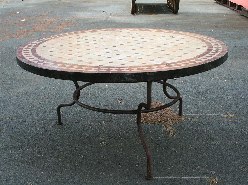 Tavoli Da Giardino In Ferro Battuto E Ceramica.Tavolo Da Giardino In Ferro Battuto Piano Mosaico Elegant Tavolo Da