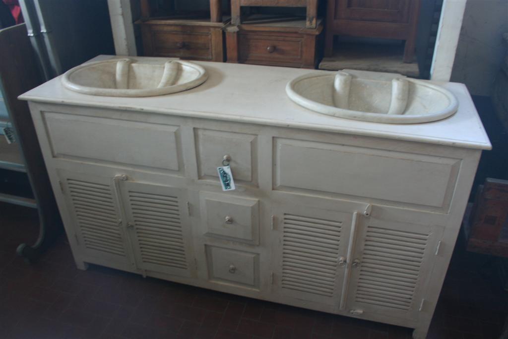Arredi da bagno: Mobile con doppio lavello provenzale