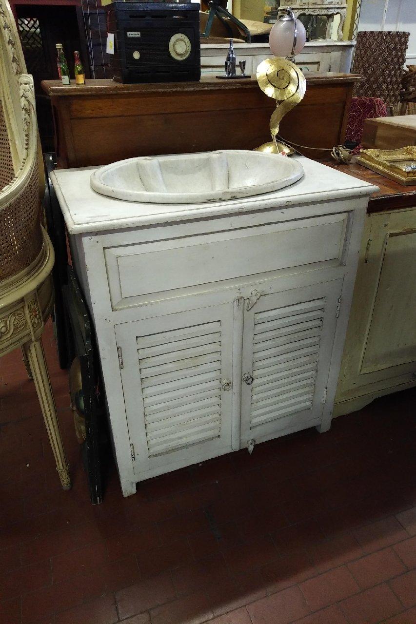 Arredi da bagno: Mobile bagno con lavello provenzale