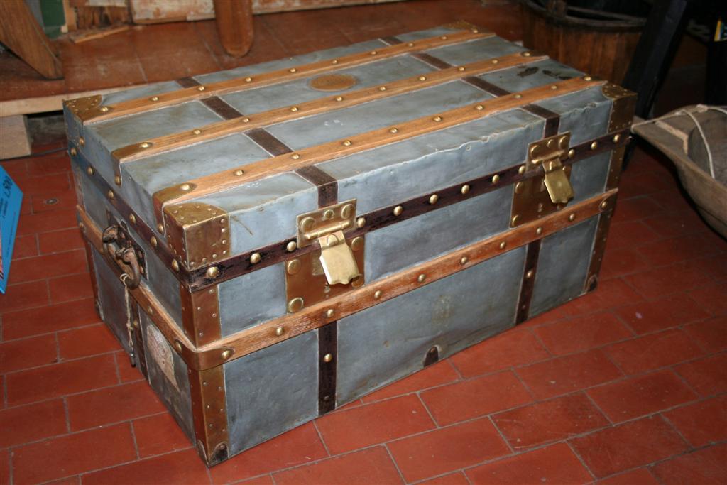Bauli e Valigie: Baule in zinco con doghe in legno