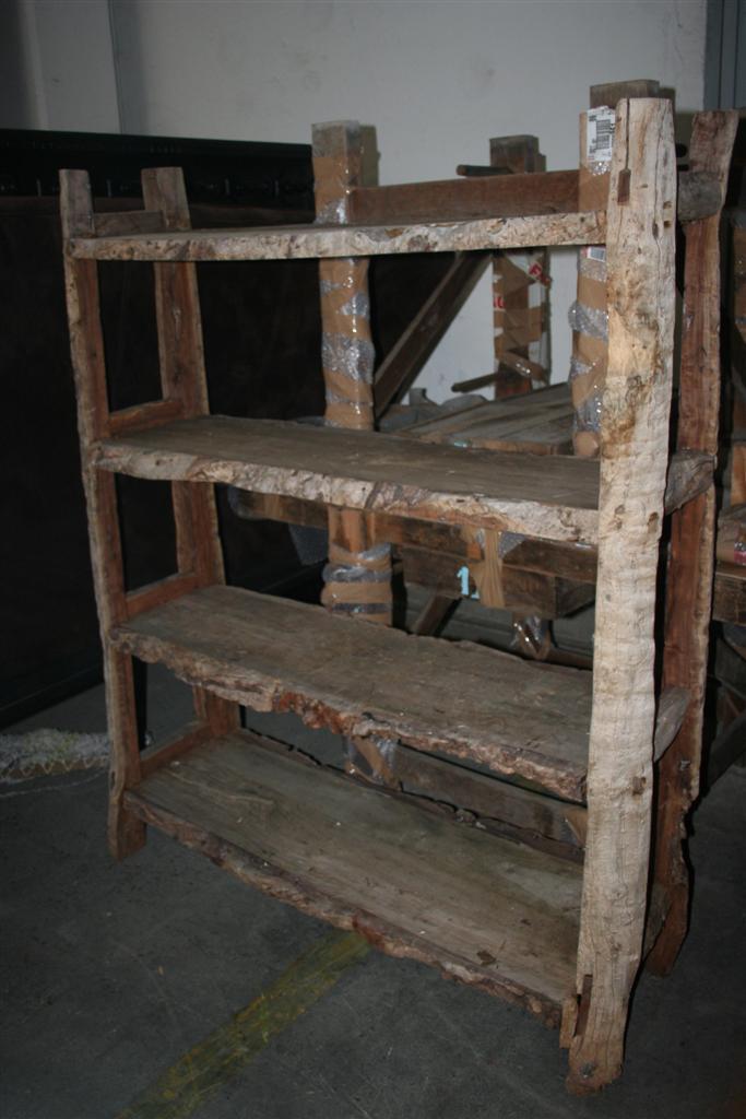 Arredi etnici etagere etnica in legno e corteccia for Arredi etnici