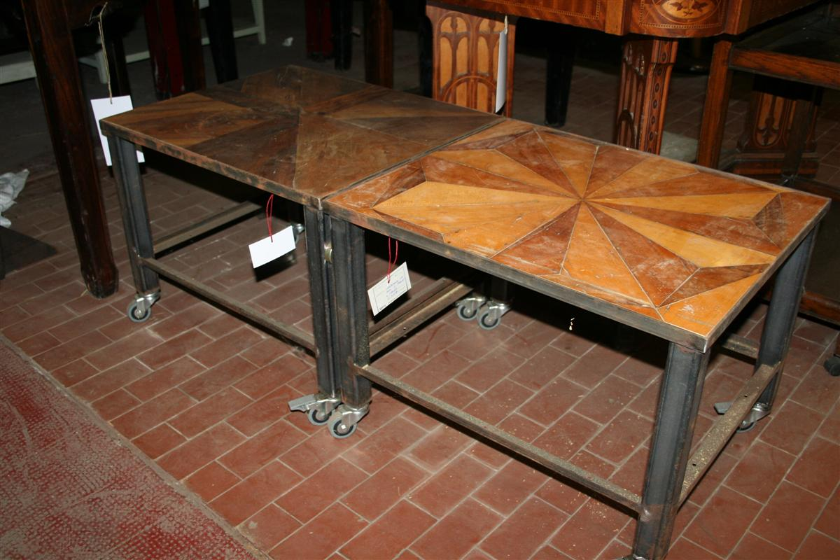 Arredi industriali coffeetable in ferro con parquet for Arredi industriali