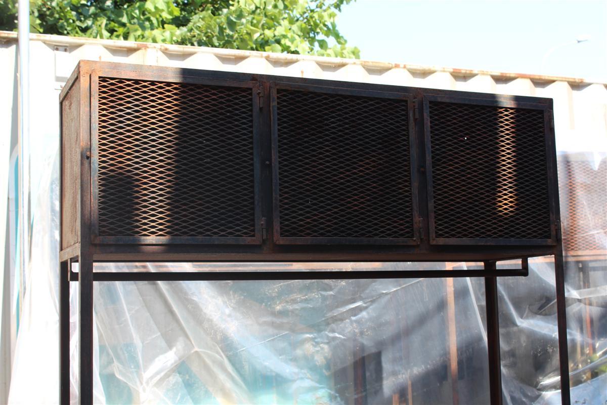 Arredi industriali mobile da palestra in ferro for Arredi industriali